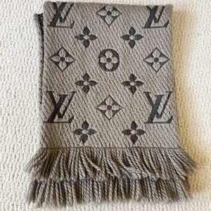 LV logomania scarf